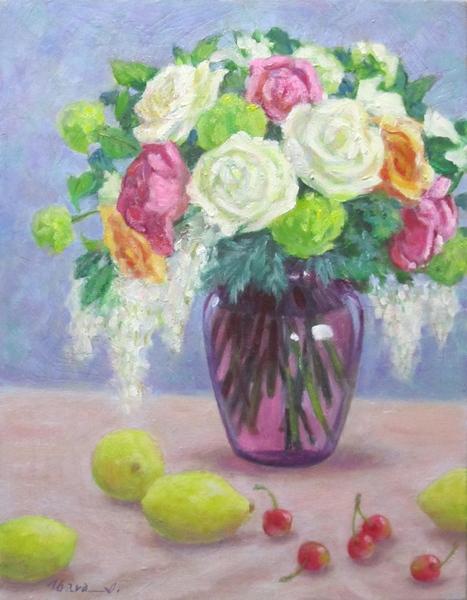 花瓶の花とフルーツ